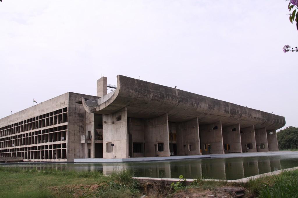 チャンディーガルの議事堂